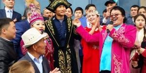 Қазақ боксшысы Қанат Ислам АҚШ-тан елге оралды